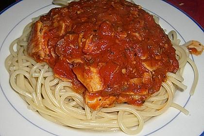 Pasta mit scharfer Tomatensoße 4