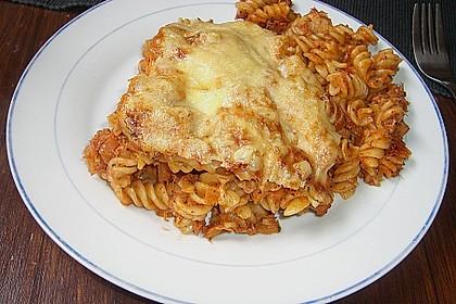 Pasta mit scharfer Tomatensoße