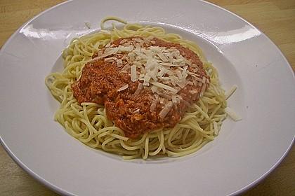 Pasta mit scharfer Tomatensoße 7