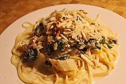 Nudeln in Thunfisch - Soße mit Mangold und Parmesan 1
