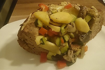 Gemüse mit Fetakäse in Brot 2