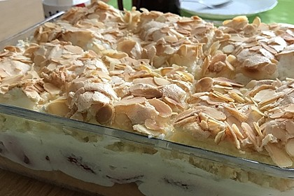Baiser - Torte mit Himbeer - oder Brombeercreme 16