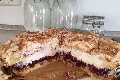 Baiser - Torte mit Himbeer - oder Brombeercreme 34
