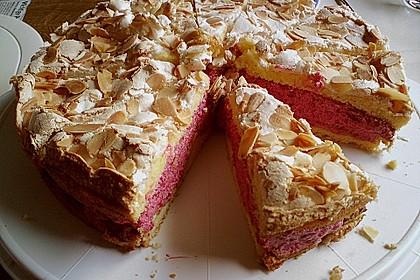Baiser - Torte mit Himbeer - oder Brombeercreme 15