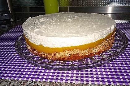 Baiser - Torte mit Himbeer - oder Brombeercreme 31