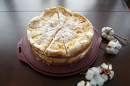 Baiser - Torte mit Himbeer - oder Brombeercreme 11