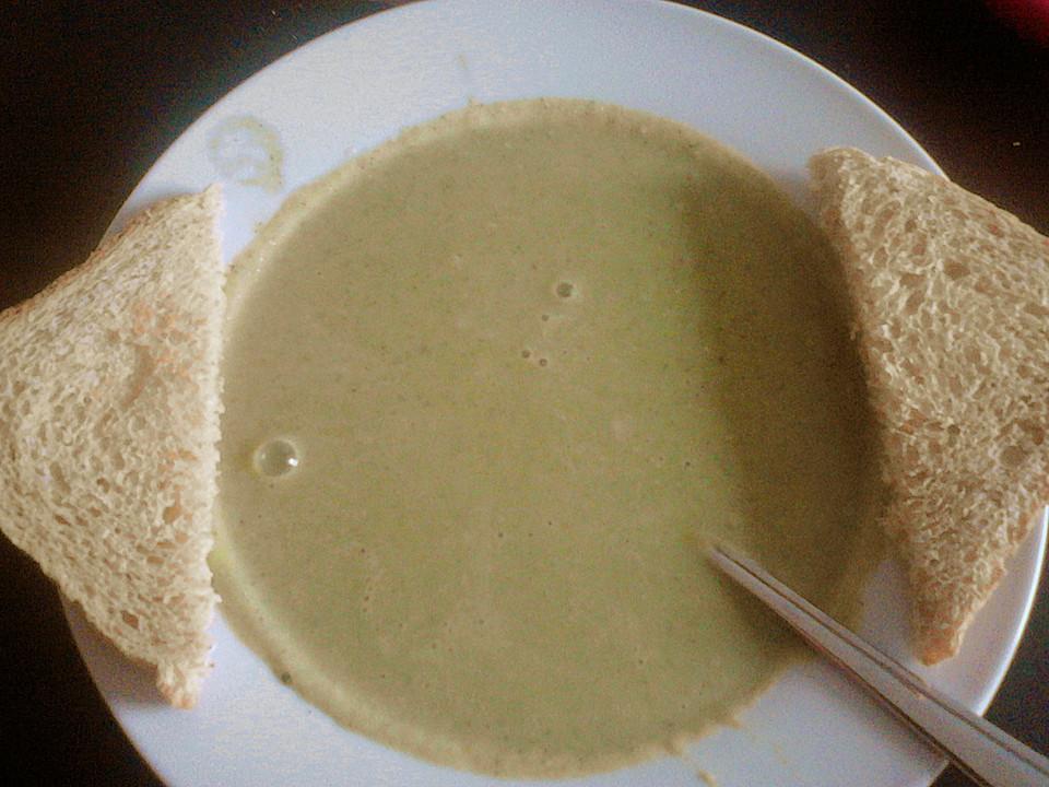 mandel brokkoli suppe rezept mit bild von kassiopeiacr. Black Bedroom Furniture Sets. Home Design Ideas