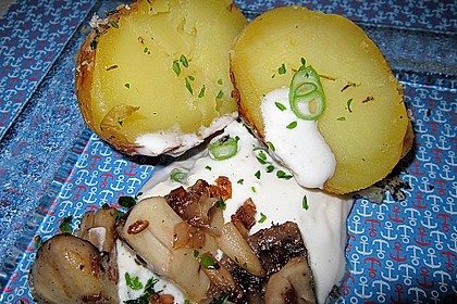 Baked Potato mit  Sour Cream und  Champignons 1