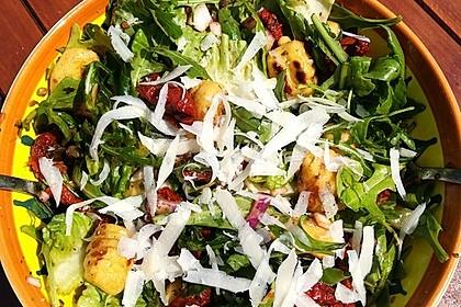 Gnocchi-Salat mit Pinienkernen und getrockneten Tomaten 8