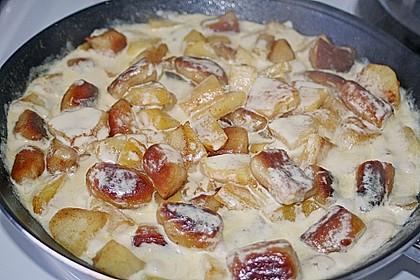 Süße Erdäpfelnudeln mit Äpfeln 1