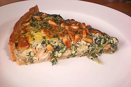 Quiche mit Lachs, Spinat und Pinienkernen 13