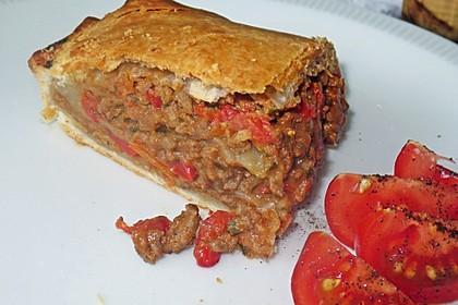 Hackfleisch-Paprika-Käse-Strudel 39
