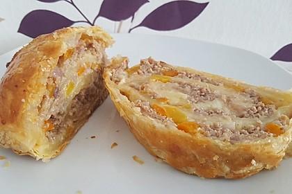 Hackfleisch-Paprika-Käse-Strudel 2