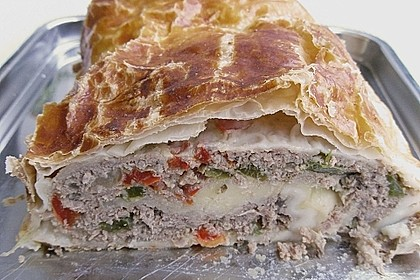 Hackfleisch-Paprika-Käse-Strudel 46