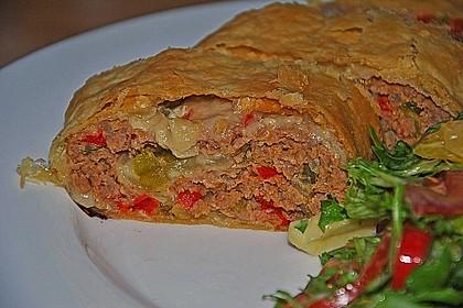 Hackfleisch-Paprika-Käse-Strudel 26