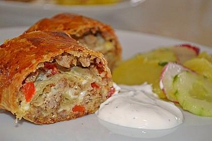 Hackfleisch-Paprika-Käse-Strudel 14