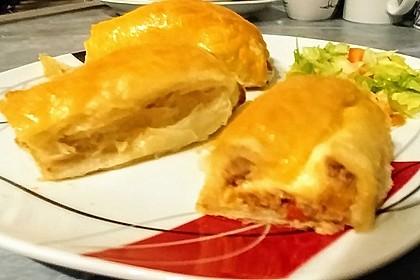 Hackfleisch-Paprika-Käse-Strudel 44