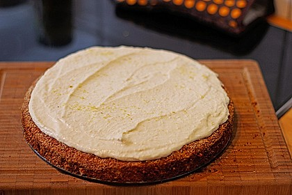 Fitness Apfel - Nuss Kuchen mit Quarkhaube 1