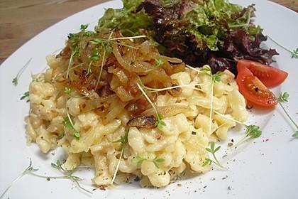 Cremige Käsespätzle, mit Röstzwiebeln 1