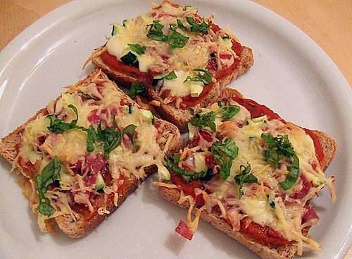 pizza toast kalorienarm rezept mit bild von cookingjulie. Black Bedroom Furniture Sets. Home Design Ideas