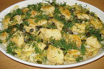 Chinakohlpfanne mit gebratenem Fisch