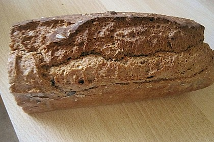Saftiges Vollkornbrot 235