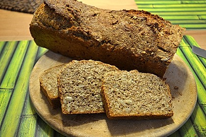 Saftiges Vollkornbrot 98