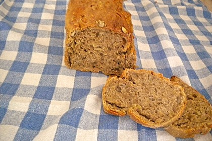 Saftiges Vollkornbrot 243