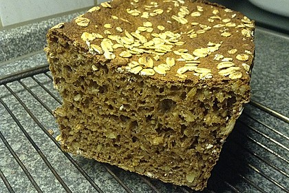 Saftiges Vollkornbrot 156