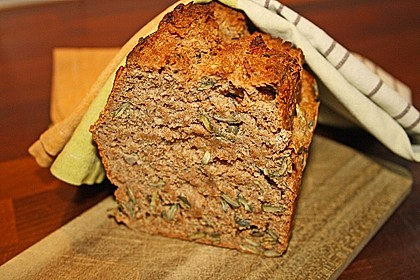 Saftiges Vollkornbrot 14