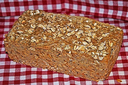 Saftiges Vollkornbrot 35