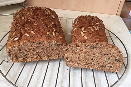 Saftiges Vollkornbrot 3