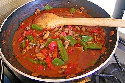 Champignons mit feinem buntem Gemüse und gebratenen Nudeln 1