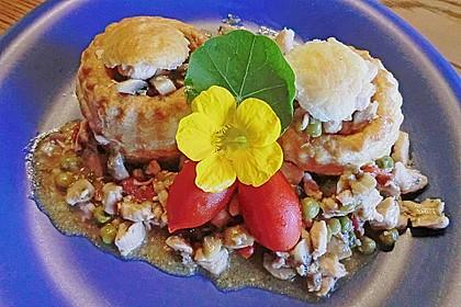 Königinpastetchen mit Hähnchen in einer feinen Estragon - Sahne - Sauce