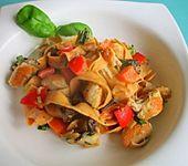 Cremige Spaghetti mit Hähnchenbrust und Gemüse