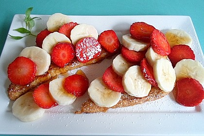 Vanille - Toast mit Erdbeeren & Bananen