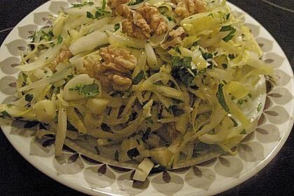 Chicoree - Salat mit Äpfeln und Nüssen 1