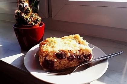 Buttermilch - Kokos - Kuchen mit Kirschen 5