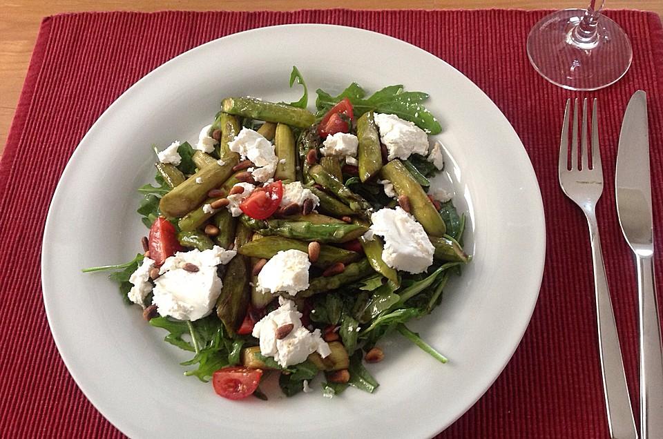 salat mit gebratenem spargel ziegenk se rauke und tomaten rezept mit bild. Black Bedroom Furniture Sets. Home Design Ideas