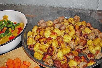 Gnocchi-Gemüse-Pfanne mit Mettbällchen 39