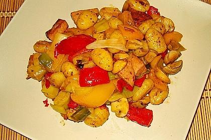Gnocchi-Gemüse-Pfanne mit Mettbällchen 37