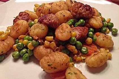 Gnocchi-Gemüse-Pfanne mit Mettbällchen 35