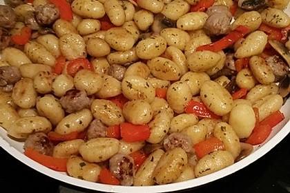 Gnocchi-Gemüse-Pfanne mit Mettbällchen 30
