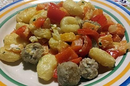 Gnocchi-Gemüse-Pfanne mit Mettbällchen 6