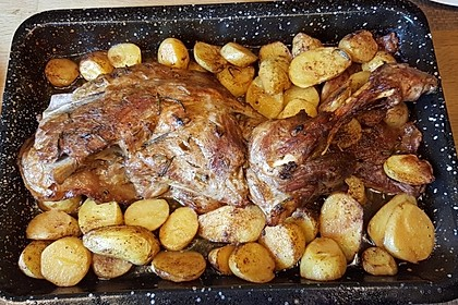 Lammkeule mit Kartoffeln und Bohnen 1