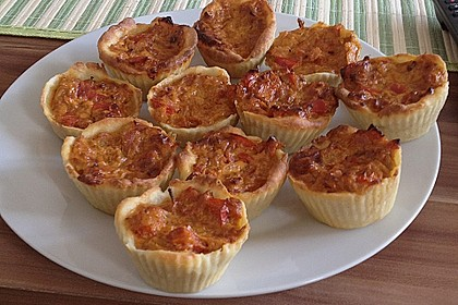 Mini-Party-Quiches 64