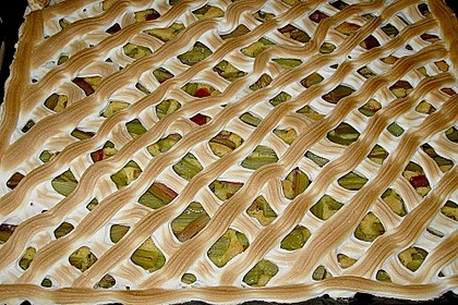 Rhabarberkuchen mit Baisergitter - vom Blech 2