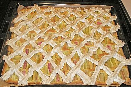 Rhabarberkuchen mit Baisergitter - vom Blech