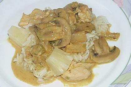 Hähnchen-Ananas-Curry mit Kokosmilch 39