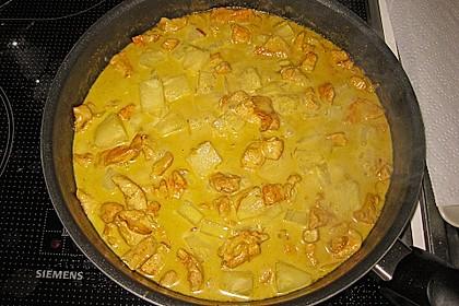 Hähnchen-Ananas-Curry mit Kokosmilch 7